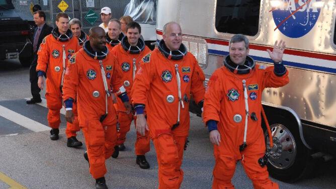 NASA potrzebuje astronautów