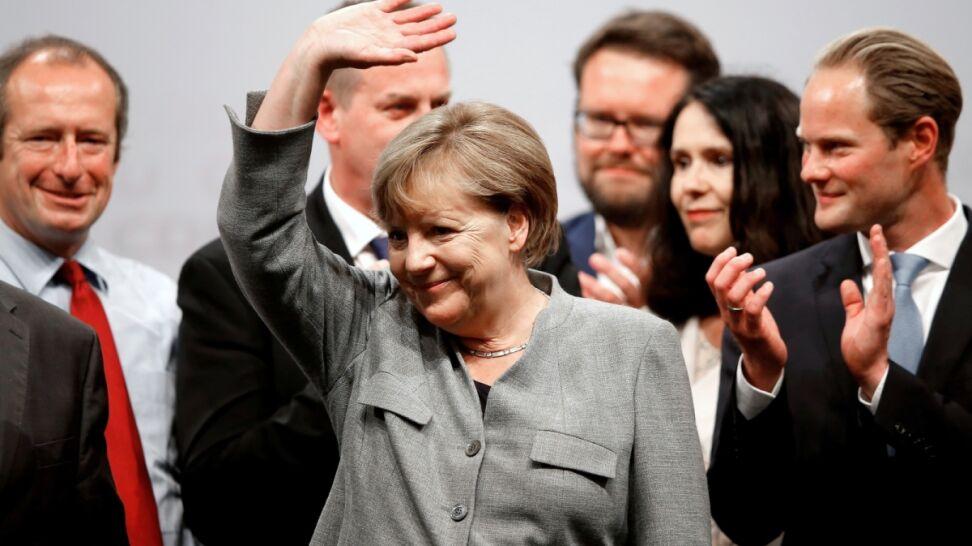 Kampania w bastionie rywali. Merkel wylicza sukcesy rządu