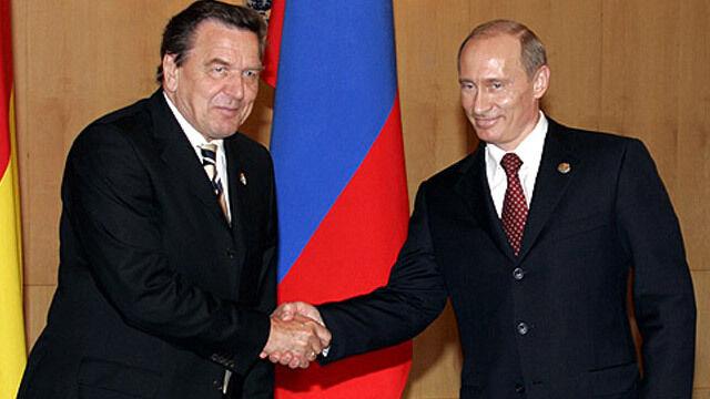 Schroeder: Putin prowadzi swój kraj ku demokracji