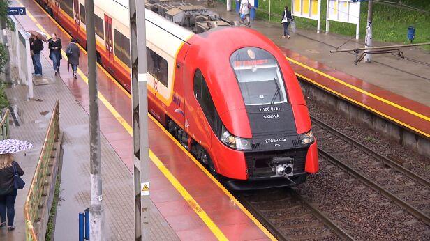 Mniej pociągów do Rembertowa  archiwum TVN24