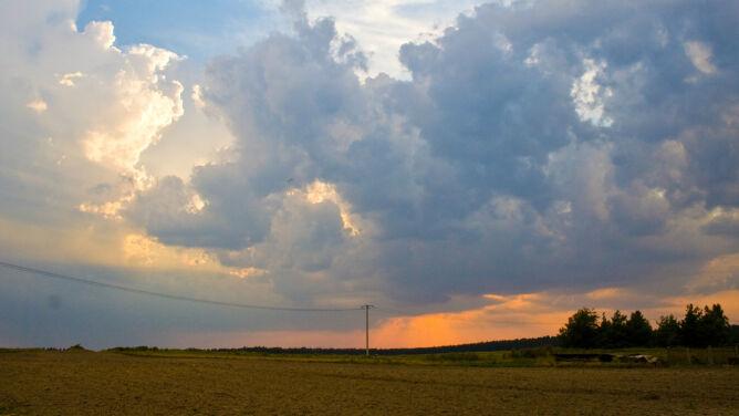 Prognoza pogody na dziś: lokalnie słońce schowa się za burzowymi chmurami