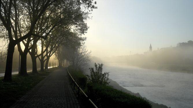 Mgły. Widzialność jest ograniczona